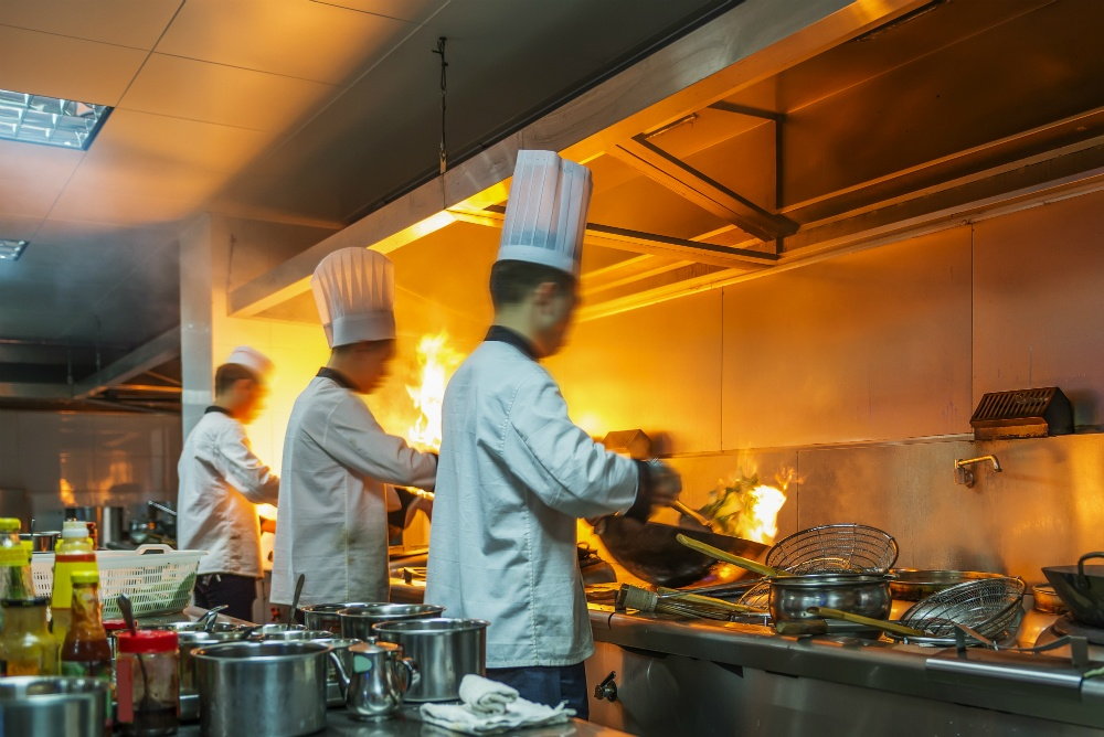5 Reasons Why You Need Commercial Kitchen Epoxy Flooring
